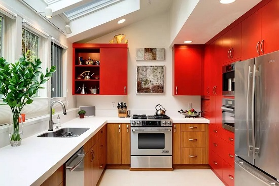 Встроенная кухня для студии