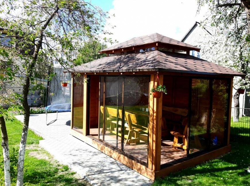 Красивые беседки во дворе частного дома: фото лучших идей и решений