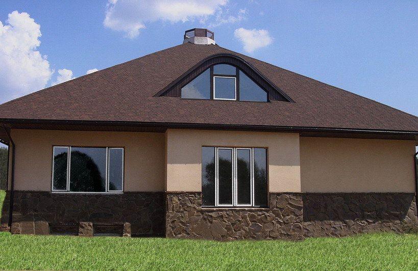 Цоколь, как основной декоративный элемент фасада