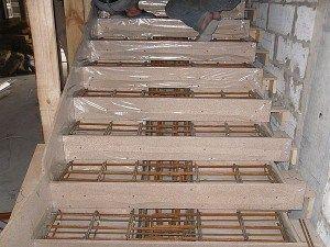 Опалубка для маршевой лестницы из бетона