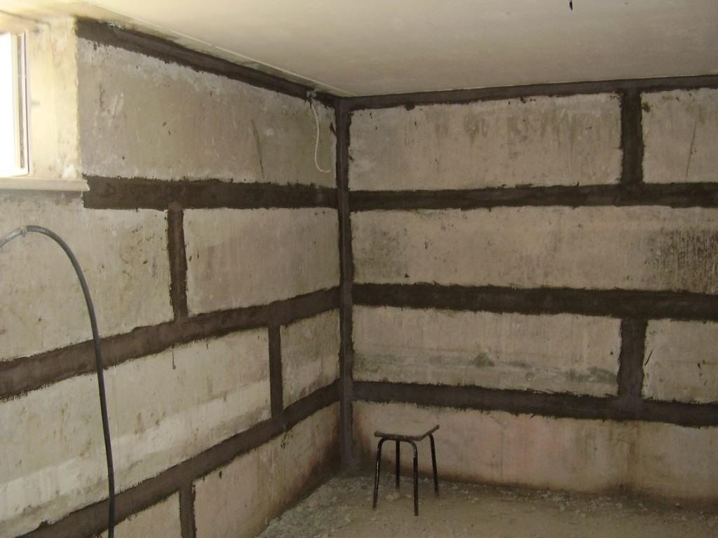 Одним из самых важных этапов в реставрации подвального помещения является гидроизоляция