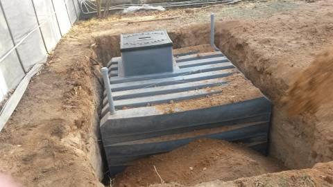 Установка полимерного погреба в котлован