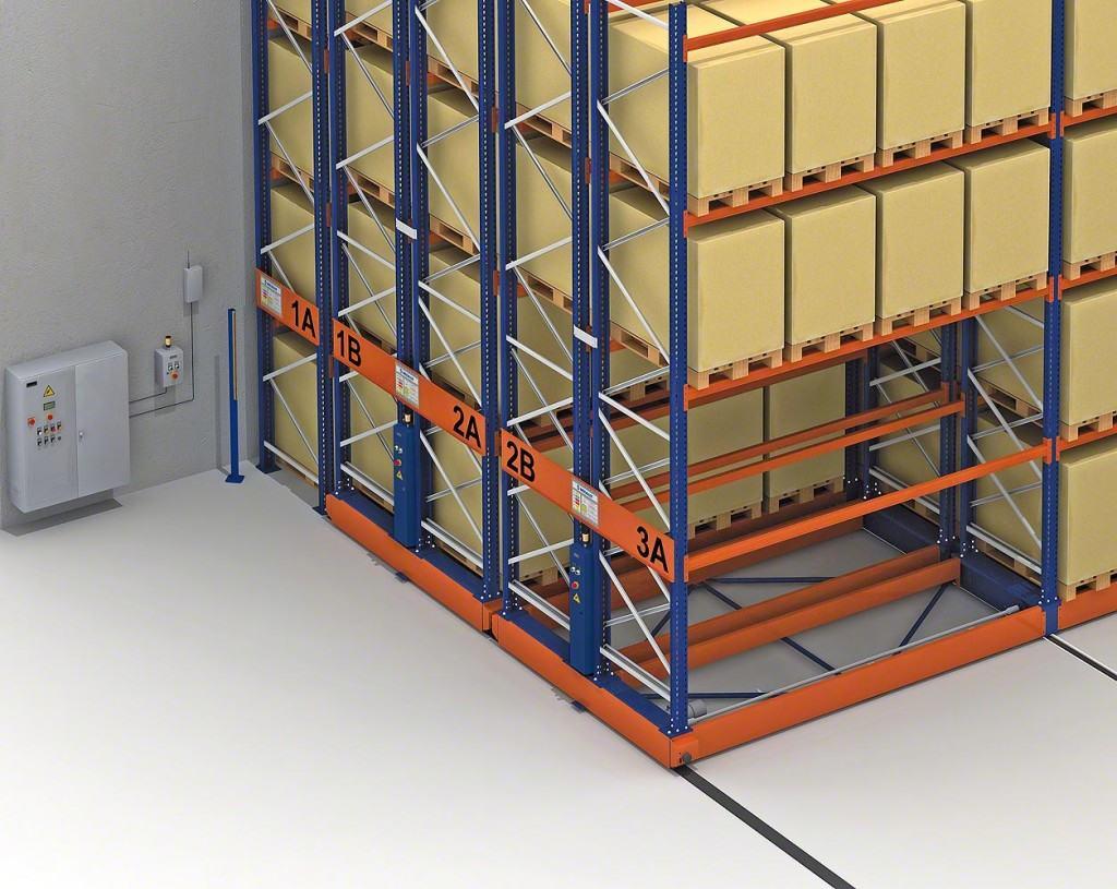 Откатные стеллажи: вариант для склада и архива