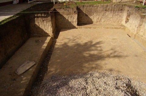 Щебневая подготовка по песчаному грунту