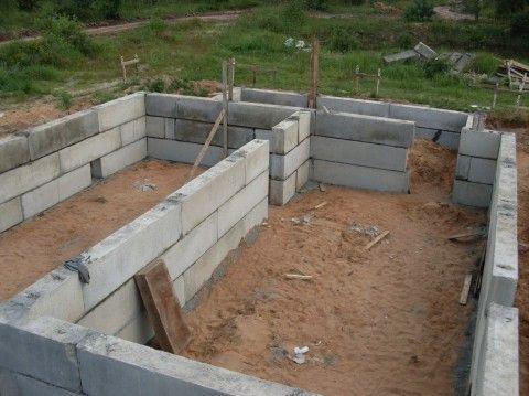 Блоки, используемые в качестве фундамента