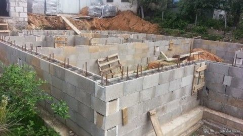 Стены из блоков УДБ