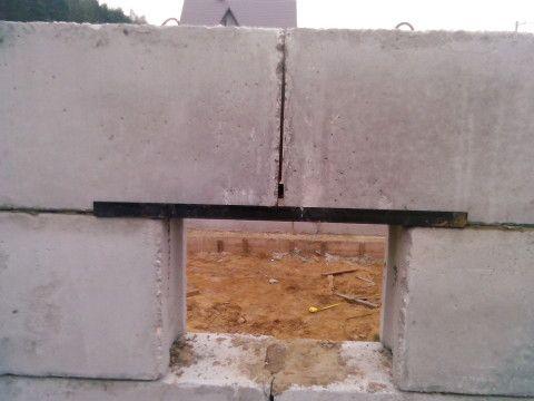 Стыки между блоками – самое слабое звено