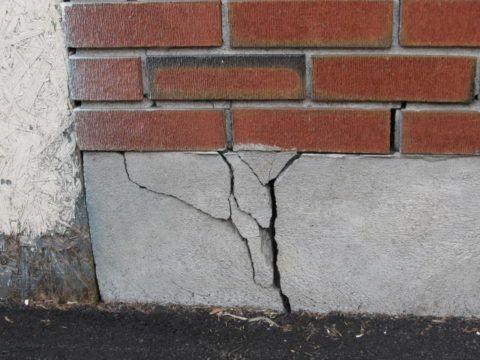 Трещины на фундаменте
