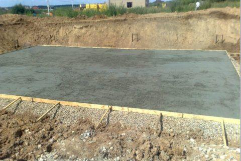 Бетонная подготовка — подушка из низкомарочного бетона