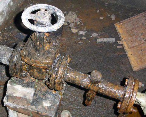 На холодной воде стальные трубы быстро ржавеют благодаря конденсату