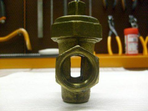 Пробковый кран: герметизация обеспечивается притиркой затвора к корпусу