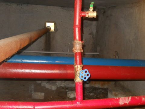 Два розлива в циркуляционной системе горячего водоснабжения