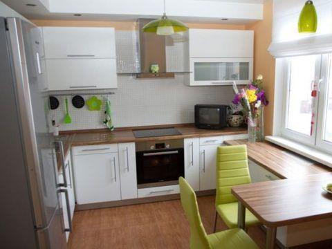 Кухня: источниками дополнительного тепла являются плита и прочая бытовая техника