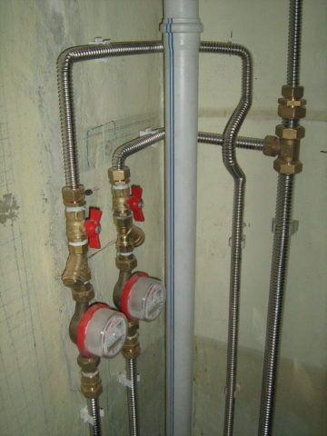Нержавеющие трубы на водоснабжении квартиры