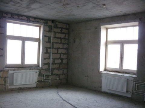 Угловая комната теряет много тепла через наружные стены
