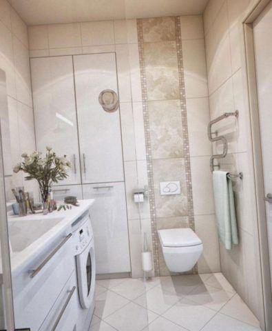 Ванная: обогрев обеспечивается полотенцесушителем