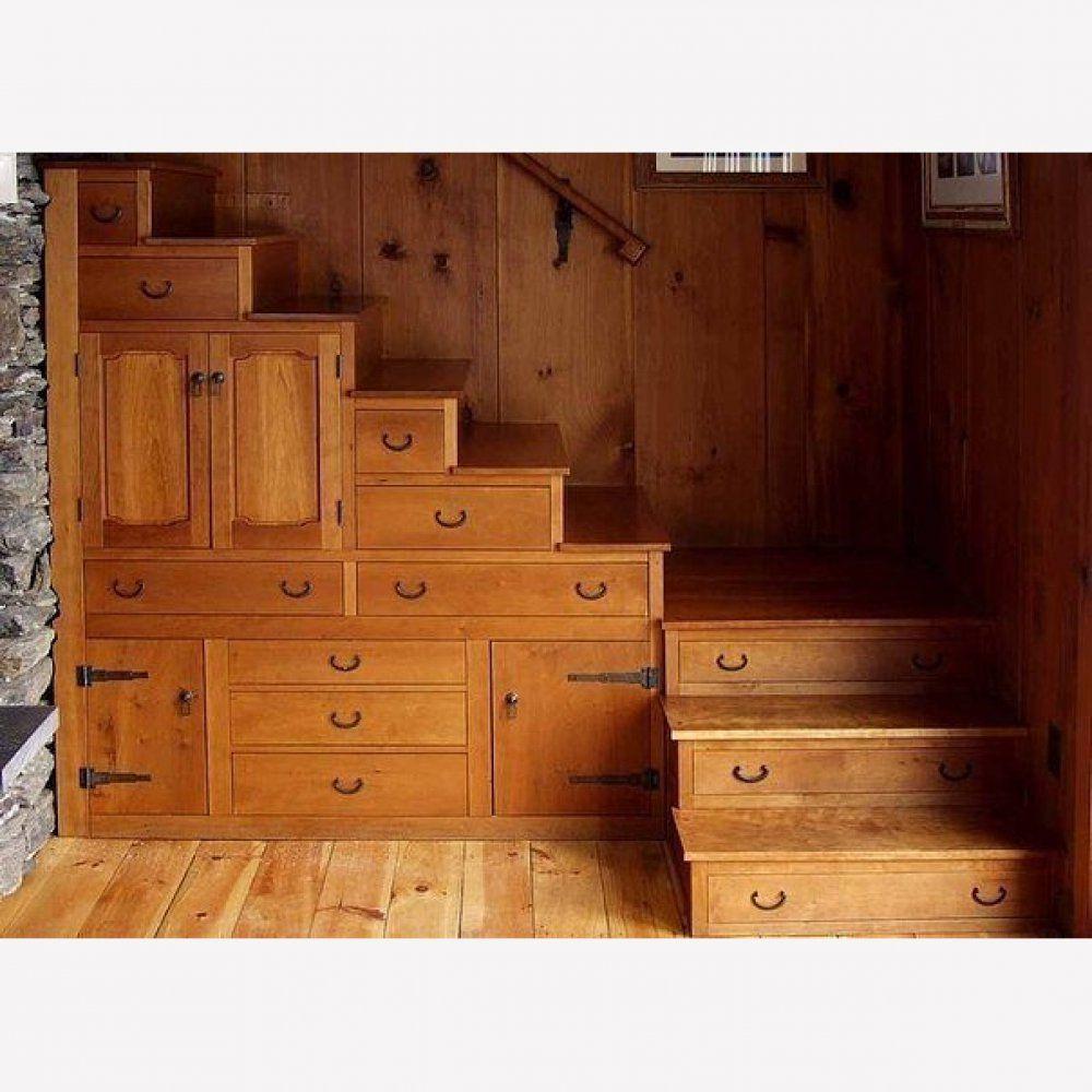 Поворотная лестница из выдвижных ящиков