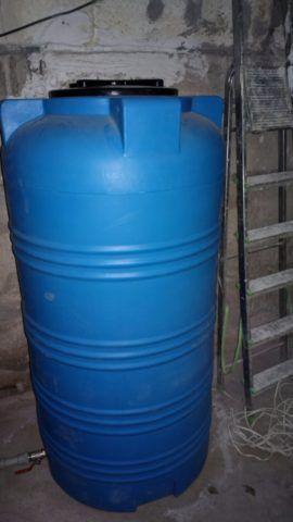 500-литровая вертикальная емкость