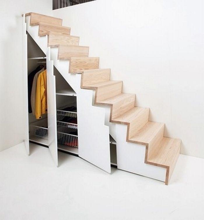 Обустройство пространства под маршем лестницы