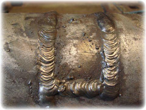 Заваренный операционный шов для прочистки трубопровода проволокой