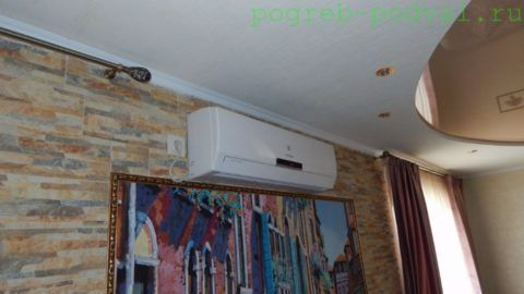 Настенный фанкойл зимой выполняет функции тепловентилятора, летом — кондиционера
