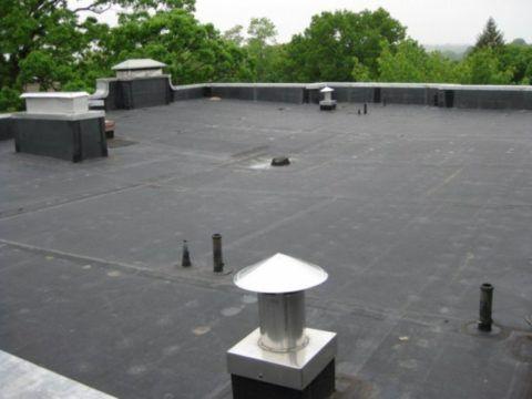 Выводы канализационных стояков на плоской крыше