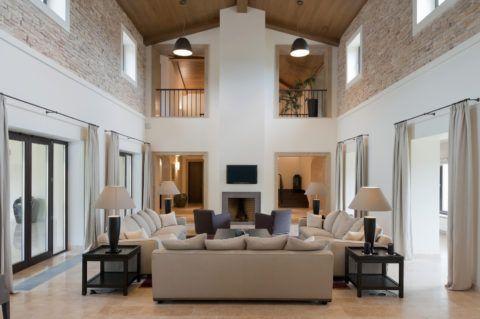 Дом сo вторым светом: высота потолка — 6 метров