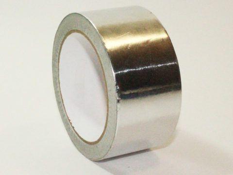 Алюминиевая фольга с клеящим слоем