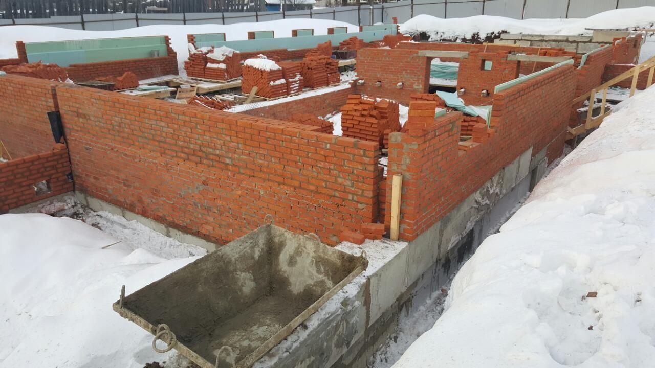 Кирпич для стен цокольного этажа