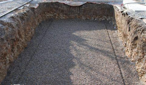 Щебень позволяет произвести более тщательное уплотнение песка