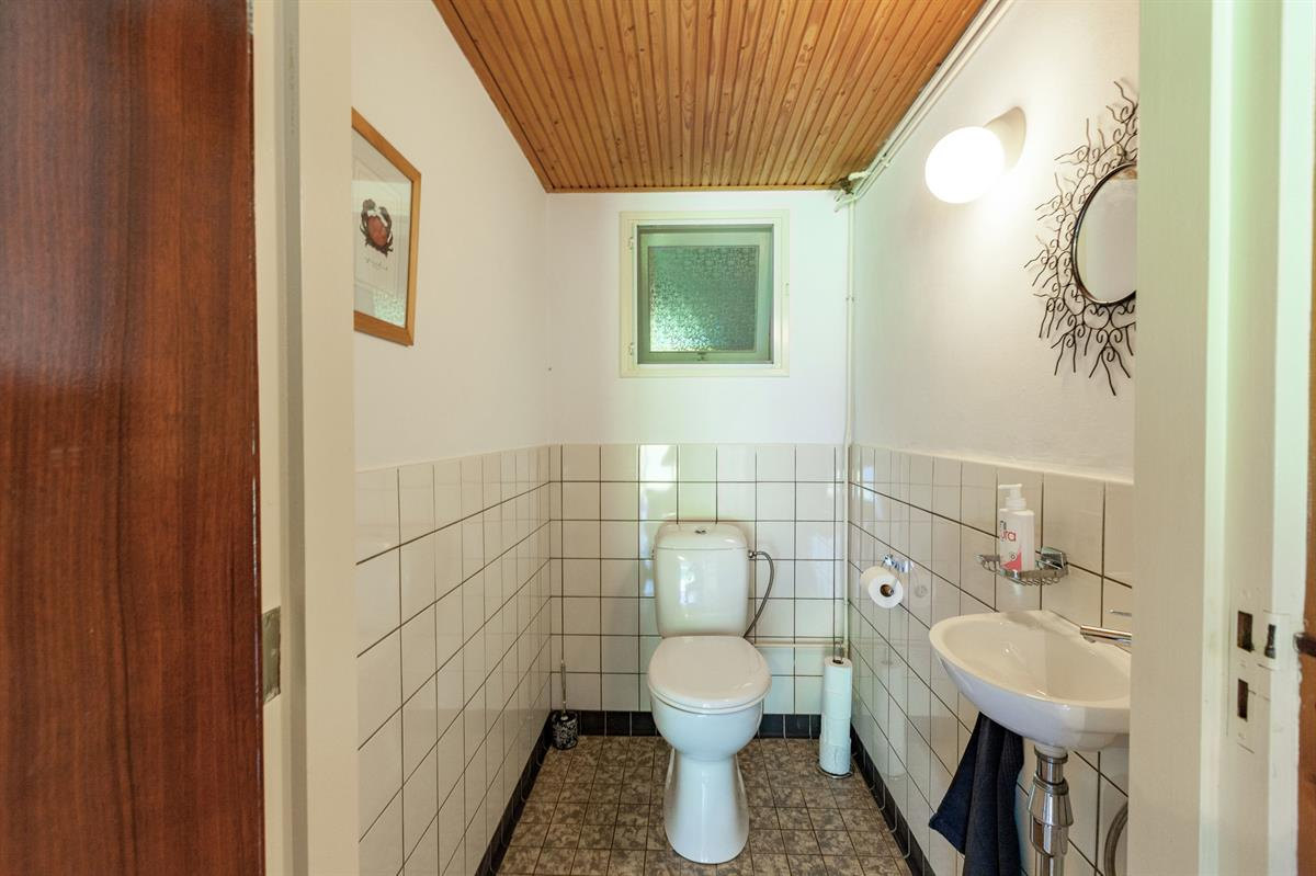 Туалет на цокольном этаже