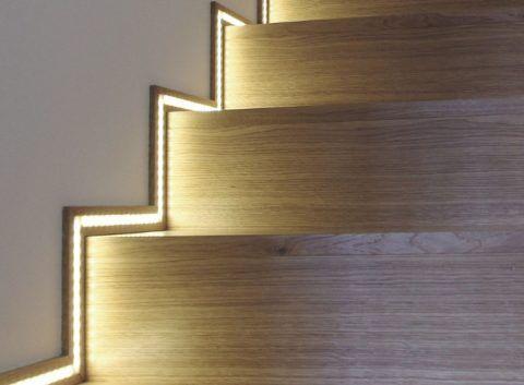 Вариант подсветки лестницы светодиодной лентой