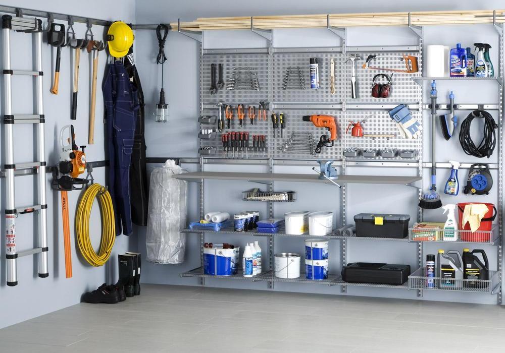 Для обустройства гаража или мастерской металл – лучший материал