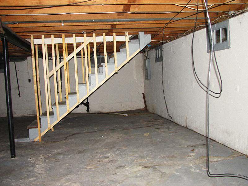 Основные коммуникации можно провести под потолком
