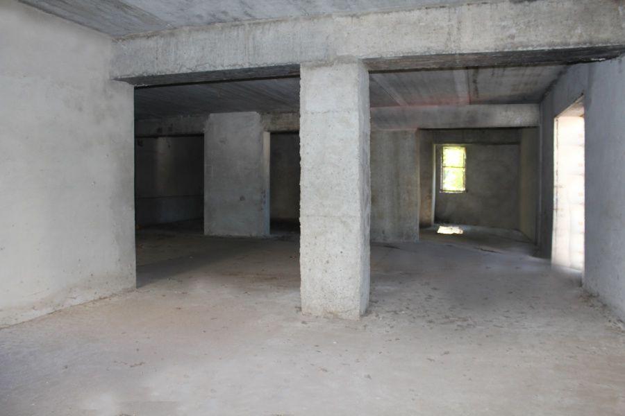 Цокольный этаж многоквартирного дома