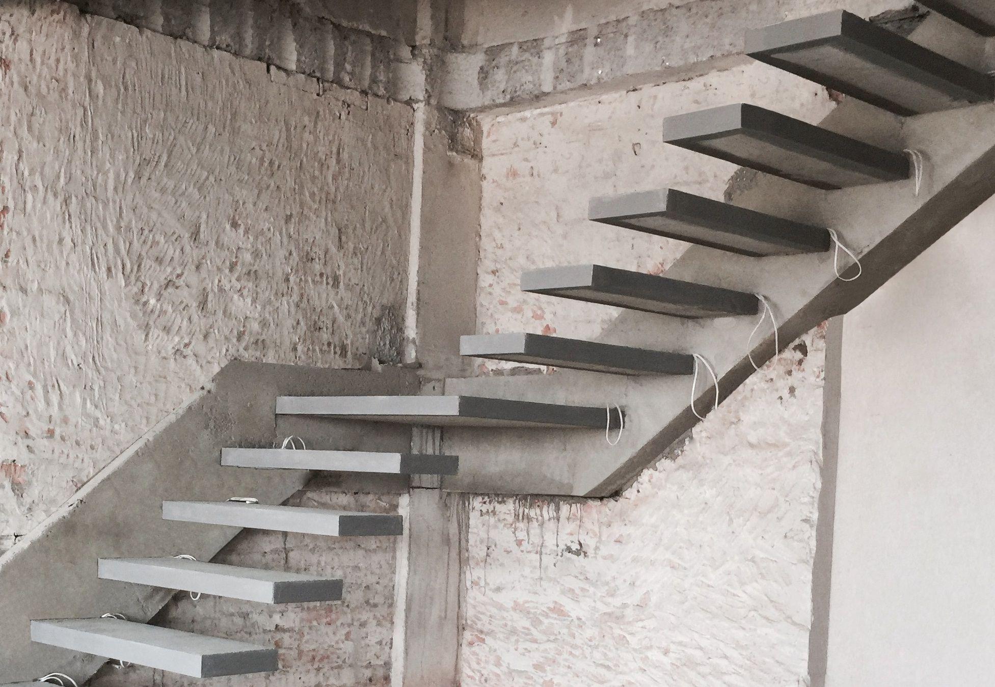 Современный дизайн с консольными ступенями – вариант для хай-тека