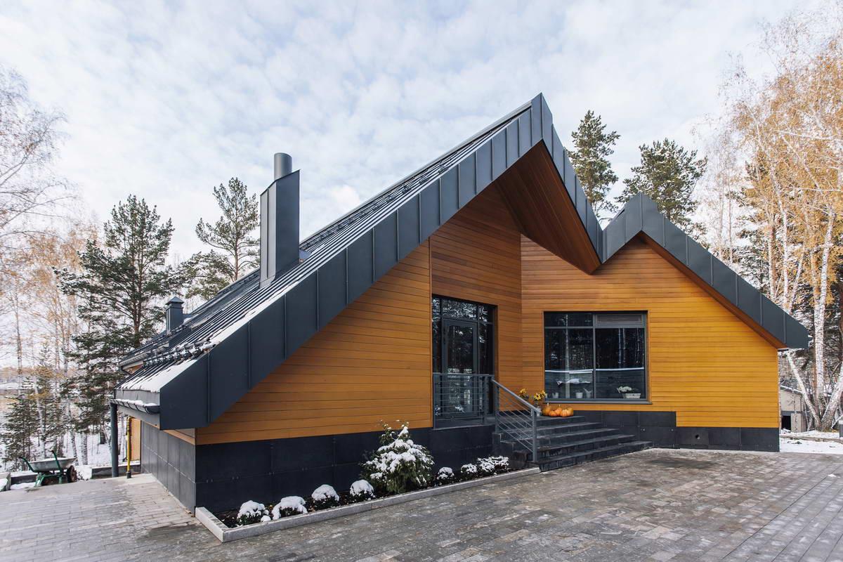 Высота фасадов дома на рельефе будет разной