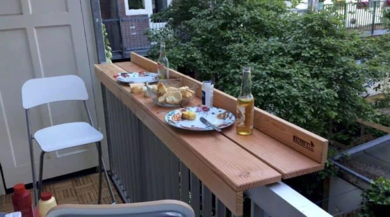 стол на балкон